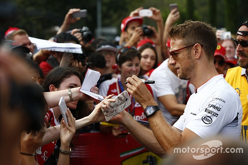 """新オーナーの到来で、""""若いファン""""の関心が増加することを期待するF1ドライバーたち"""