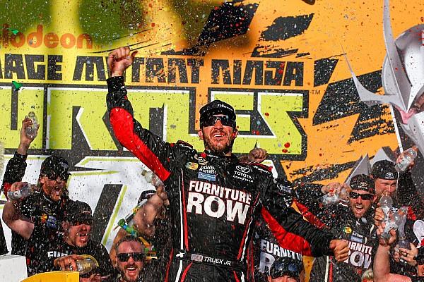 NASCAR Cup Na prorrogação, Truex Jr. vence na abertura do Chase