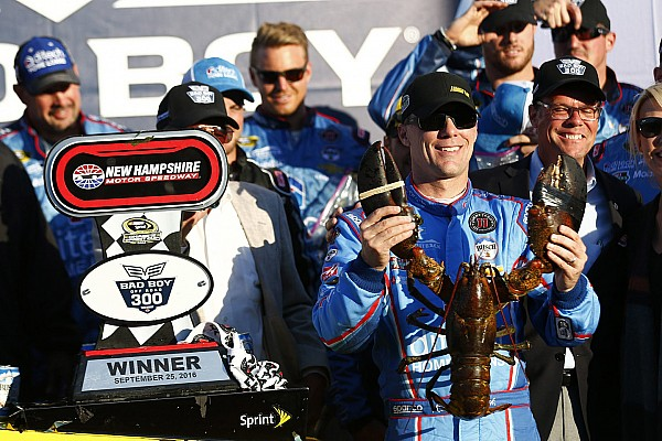 NASCAR Cup Victoire surprise de Harvick au New Hampshire