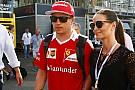 Raikkönen mindent aláír, még egy igazi Ferrarit is