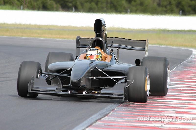 全新FT5000方程式赛车完成赛道首秀