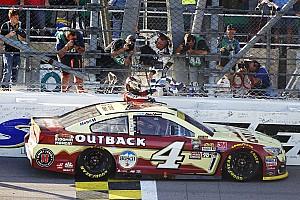 NASCAR Cup Rennbericht NASCAR: Kevin Harvick dank Kansas-Sieg eine Chase-Runde weiter
