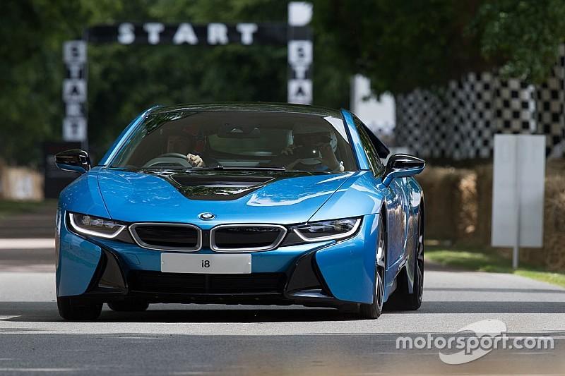 BMW rend officielle l'arrivée de la prochaine i8 Spyder