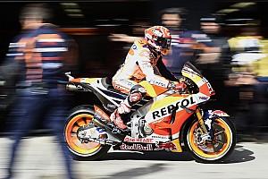 MotoGP Отчет о тренировке Маркес быстрее всех в первой тренировке