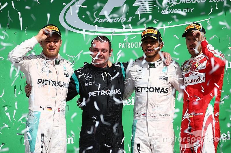 Stand: Hamilton doet het maximale, Verstappen nadert Raikkonen