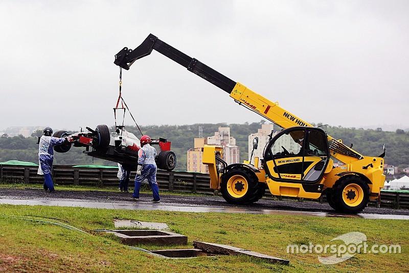 """Grosjean pede mudanças em pneus de chuva: """"muito ruins"""""""