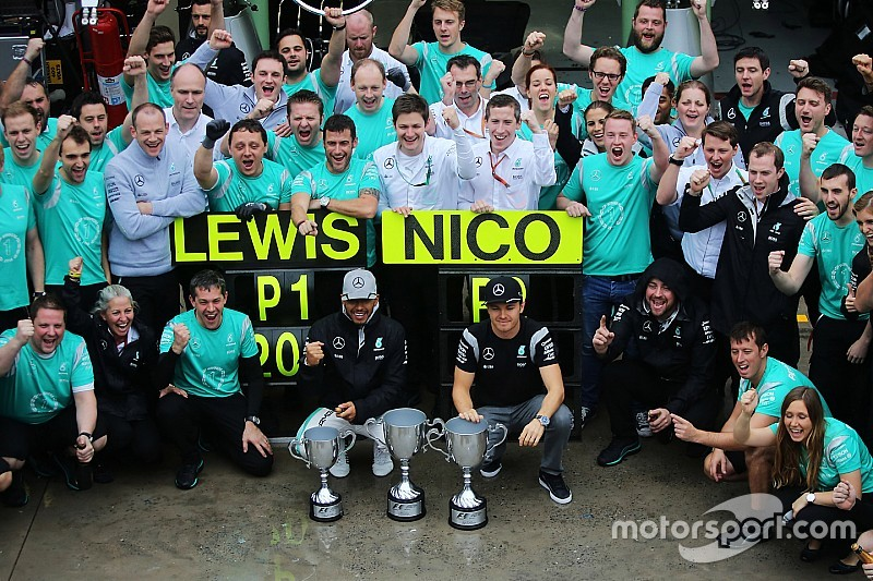 """Mercedes: """"melhor espírito de equipe de todos os tempos"""""""