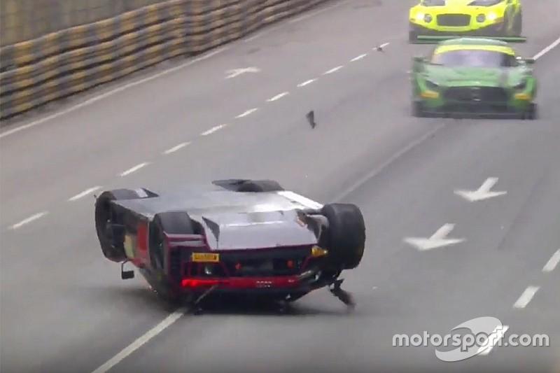Macau GT World Cup: Vanthoor wint op z'n kop na bizarre race