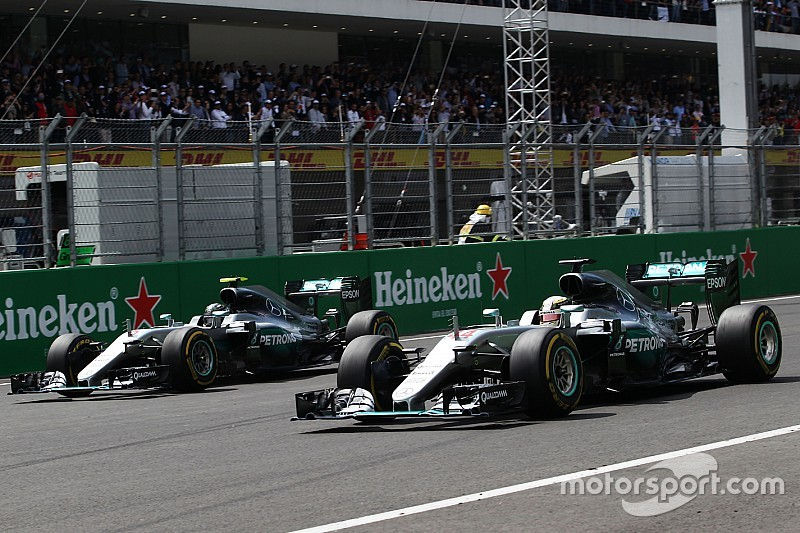 """Fernando Alonso: """"Beide Mercedes-Piloten verdienen den Titel"""""""