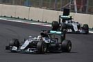 Екклстоун: Відмова від гібридних двигунів – єдиний спосіб зупинити Mercedes