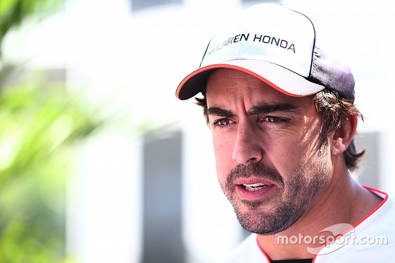 В McLaren выразили желание сохранить Алонсо