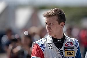 GT BRÉKING A korábbi F1-es junior csatlakozott a McLaren tehetségeihez!