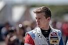 GT A korábbi F1-es junior csatlakozott a McLaren tehetségeihez!