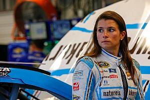 NASCAR Cup Noticias de última hora Danica Patrick inicia NASCAR 2017 con problemas de patrocinio