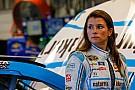Danica Patrick inicia NASCAR 2017 con problemas de patrocinio