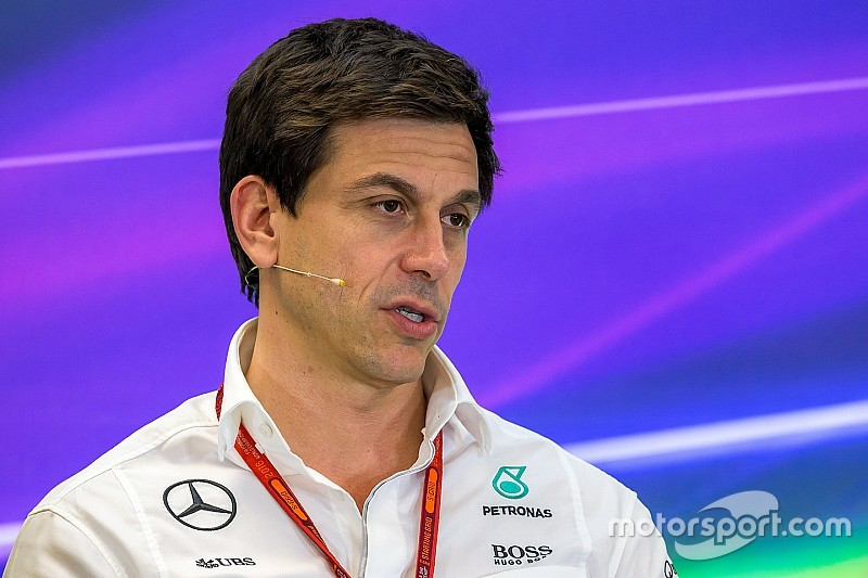 Wolff pede paciência nas futuras mudanças da F1