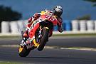 Rossi, a rueda de Márquez