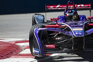 Formule E Verslag vrije training Formule E Buenos Aires: Lopez snelste in VT1, sterke Frijns ziet teamgenoot crashen