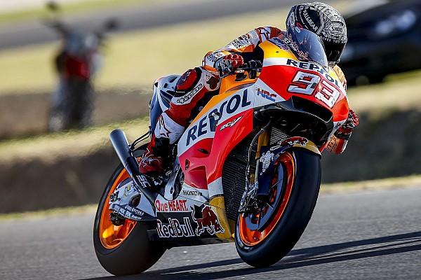 Márquez se disloca el hombro en el test de Honda