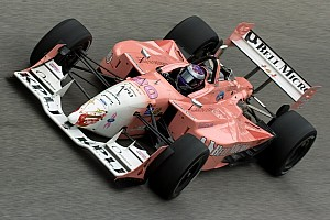 GALERÍA: los coches rosas en las carreras