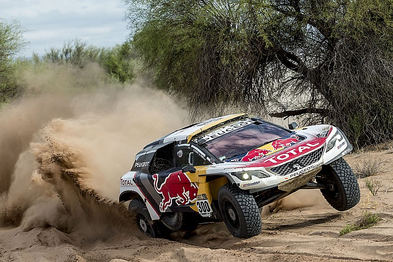Peugeot dreigt stekker uit Dakar-programma te trekken