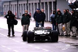 Jaguar R2 leaving pitlane