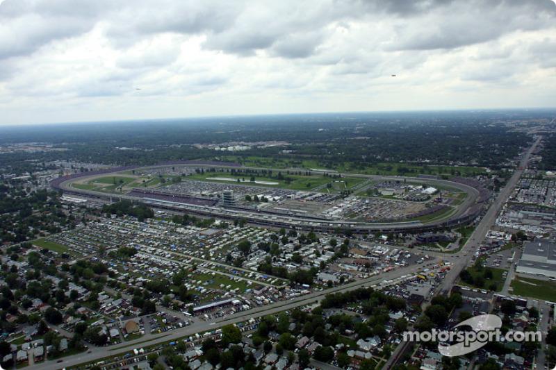 Vue aérienne de l'Indianapolis Motor Speedway : vue générale