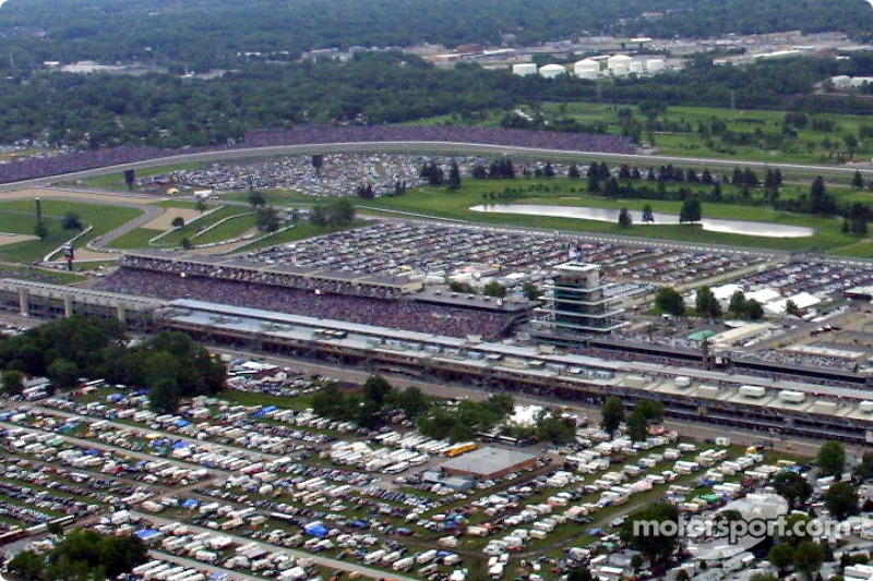Aerial view of Indianapolis Motor Speeway: focus on the main stretch and the pagoda