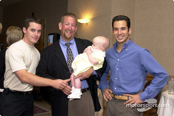 Casey Mears, Mark y Madison Wingler, Helio Castroneves
