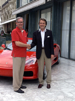 Signature of the agreement between Ferrari and Vodafone: Chris Gent and Luca di Montezemolo