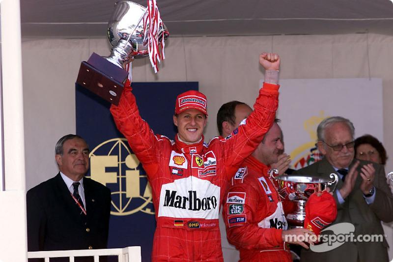 Michael Schumacher y Rubens Barrichello con el Príncipe Raniero