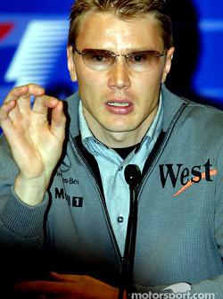 Mika Häkkinen en conférence de presse