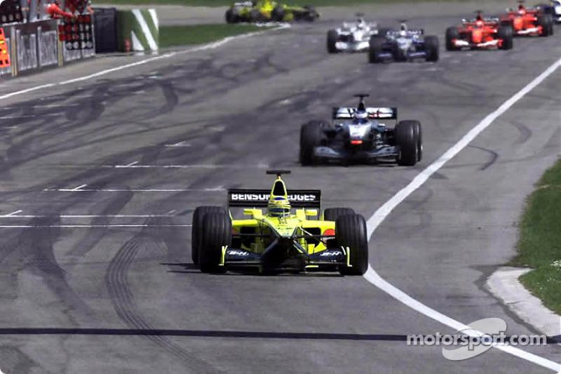 The first few laps: Jarno Trulli and Mika Hakkinen