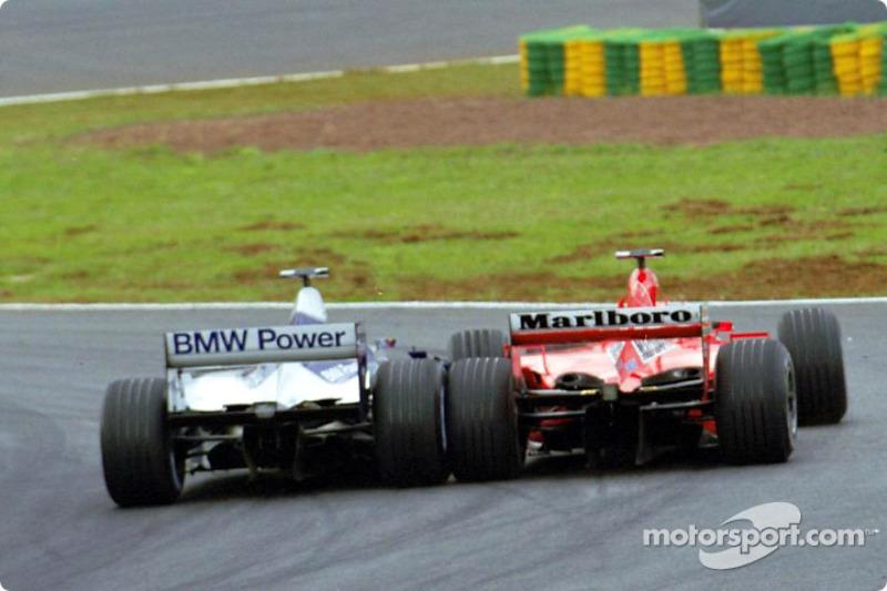 Restart : Montoya attaque Schumacher
