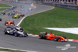 start: Michael Schumacher front, erkek kardeşi Ralf ve David Coulthard