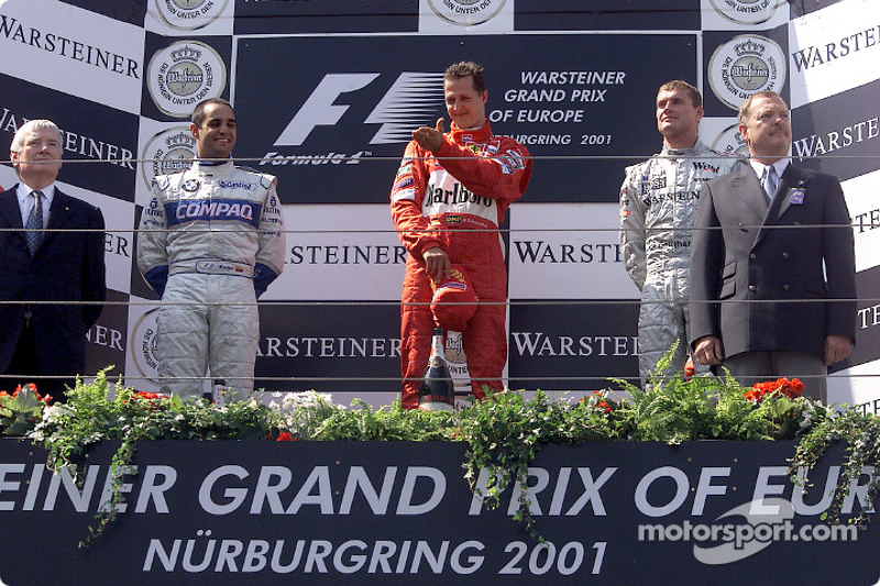 El podio: Juan Pablo Montoya, Michael Schumacher y David Coulthard