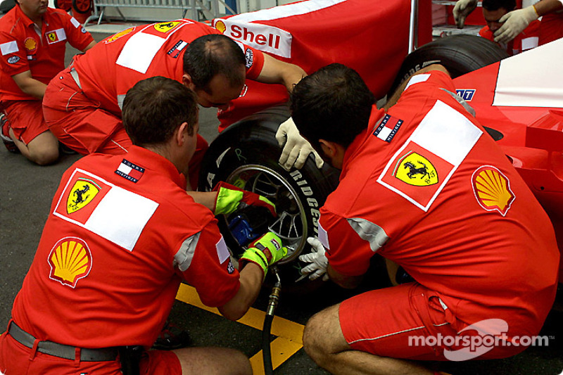 Pitstop practice at Team Ferrari