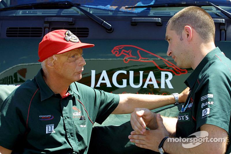 Ники Лауда в команде  Jaguar в 2001 году