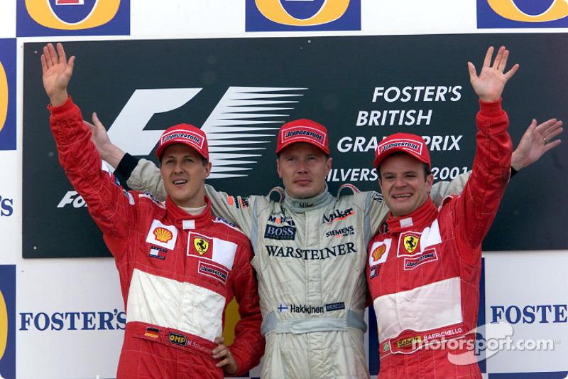 Podio de F1 en Silverstone 2001: 1. Mika Häkkinen, 2. Michael Schumacher, 3. Rubens Barrichello
