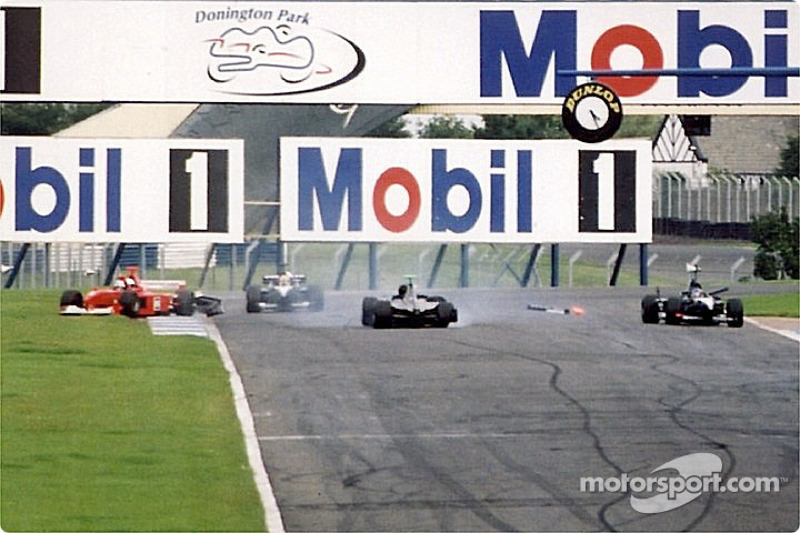 Nigel Mansell in the last lap accident