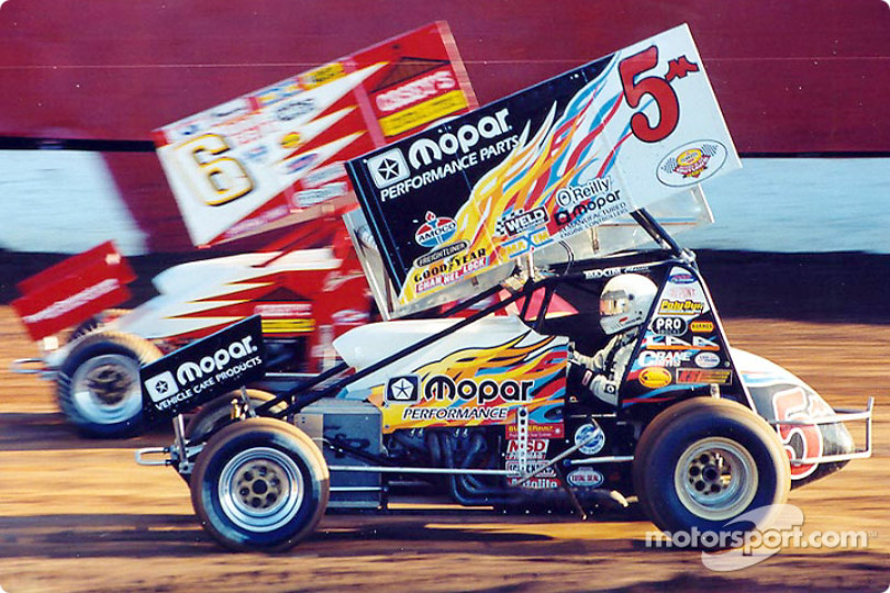 Mark Kinser #5 took the low groove in action