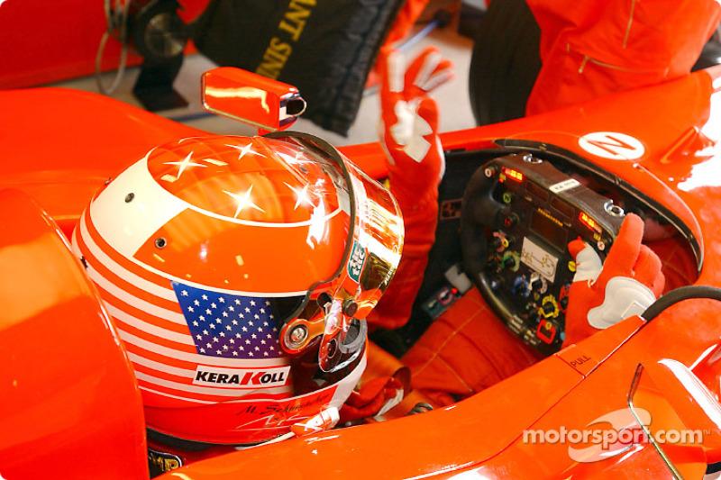 Michael Schumacher için özel kask