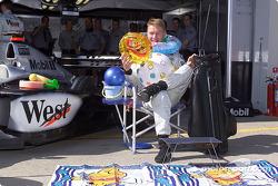 Mika Hakkinen y sus regalos