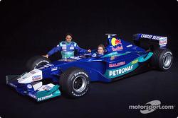 Фелипе Масса и Ник Хайдфельд с новым Sauber Petronas C21