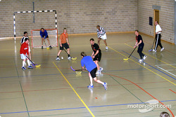During the afternoon at the fitness camp in St. Moritz another hour was spent in the gym playing hockey, volleyball or basketball