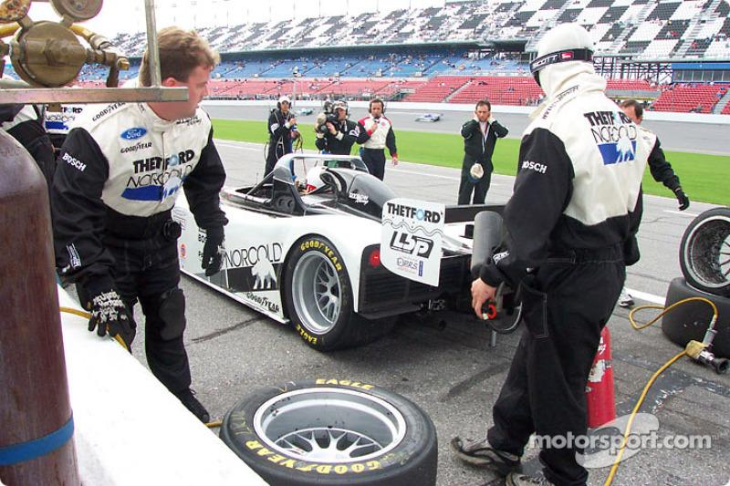 Arrêt au stand - Dyson Racing n°20