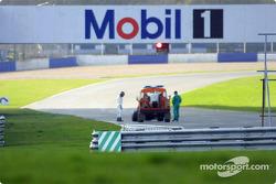 Heinz-Harald Frentzen in trouble on the track