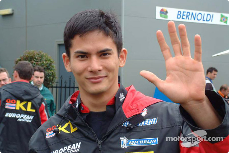 Alex Yoong saying hi