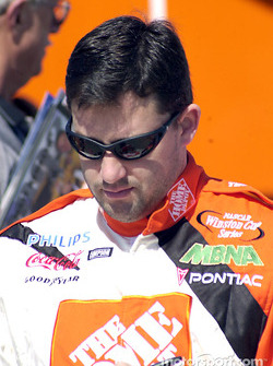 Tony Stewart siging autographs