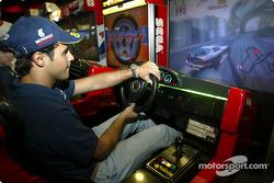Visit at Hopi Hari´s Park: Felipe Massa